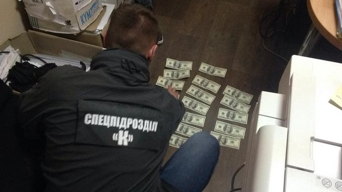 57088302 2367930626770262 3834214014917804032 n - Співробітники СБУ спіймали на хабарі чиновника Житомирської міської ради