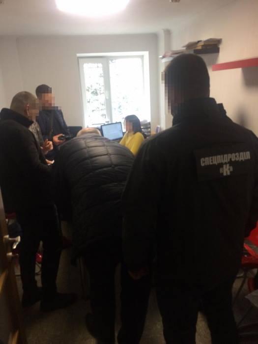 57253525 2367930513436940 2948189315752001536 n - Співробітники СБУ спіймали на хабарі чиновника Житомирської міської ради