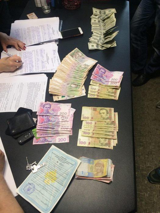 57280514 2367930703436921 8513973800402944000 n - Співробітники СБУ спіймали на хабарі чиновника Житомирської міської ради