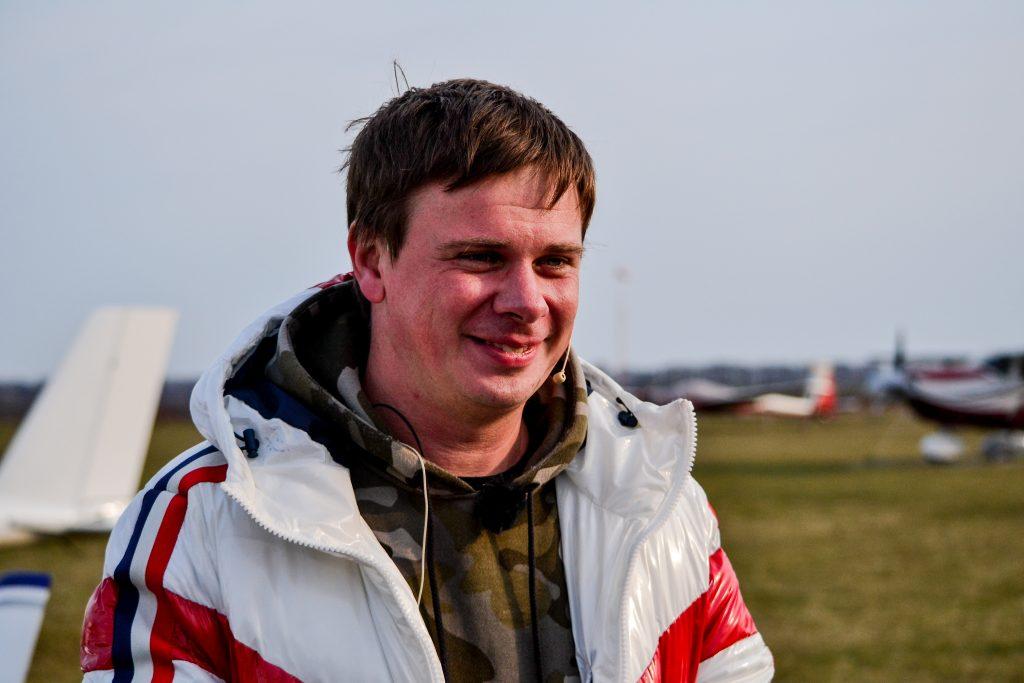 DSC 0060 1024x683 - Відомий мандрівник Дмитро Комаров здійснив посадку в Житомирі (ФОТО)