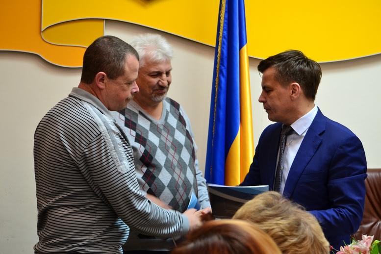 DSC 0285 Kopyrovat  - Міський голова Житомира Сергій Сухомлин нагородив поліцейських за порятунок людини