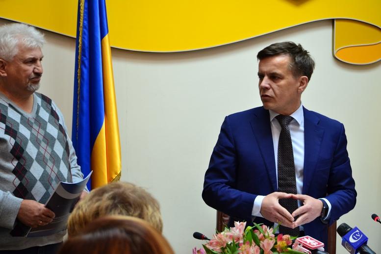 DSC 0288 Kopyrovat  - Міський голова Житомира Сергій Сухомлин нагородив поліцейських за порятунок людини
