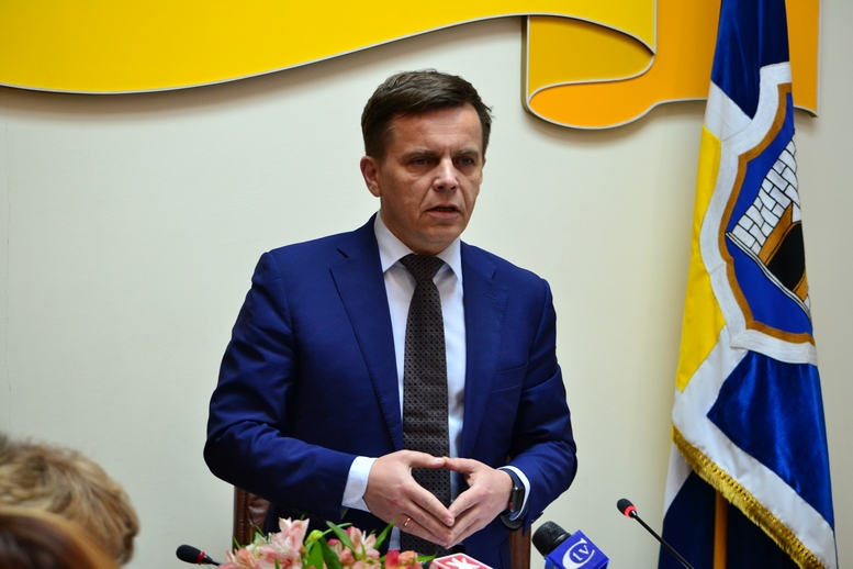 DSC 0291 Kopyrovat  - Міський голова Житомира Сергій Сухомлин нагородив поліцейських за порятунок людини
