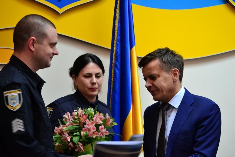 DSC 0301 Kopyrovat  - Міський голова Житомира Сергій Сухомлин нагородив поліцейських за порятунок людини