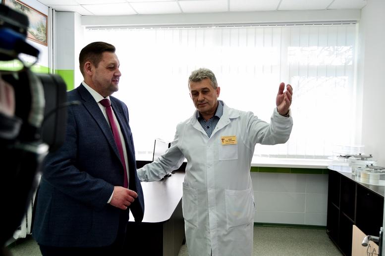 DSC 0448 Kopyrovat  - Для Житомирської районної лікарні придбали один із найкращих томографів в Україні