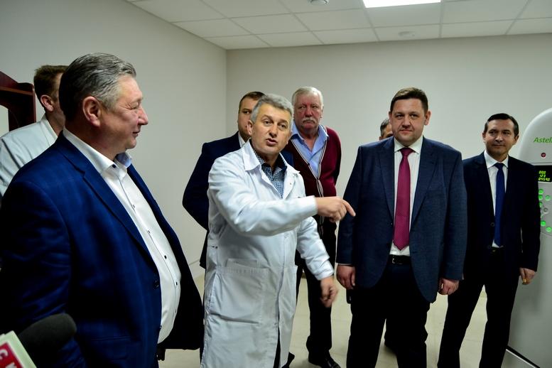 DSC 0463 Kopyrovat  - Для Житомирської районної лікарні придбали один із найкращих томографів в Україні