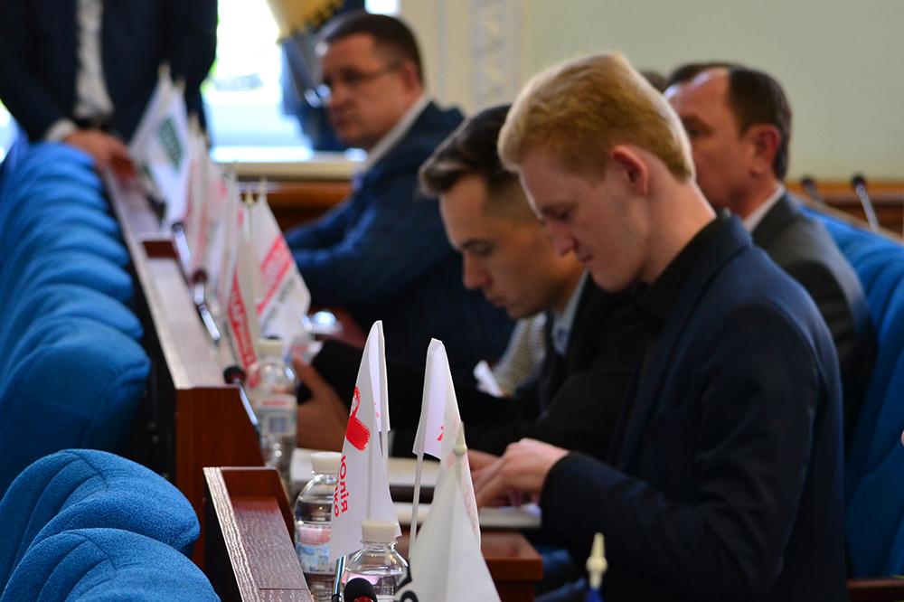 DSC 0504 - Житомирський депутат Влад  Пучич отримав в подарунок гумовий фалоімітатор