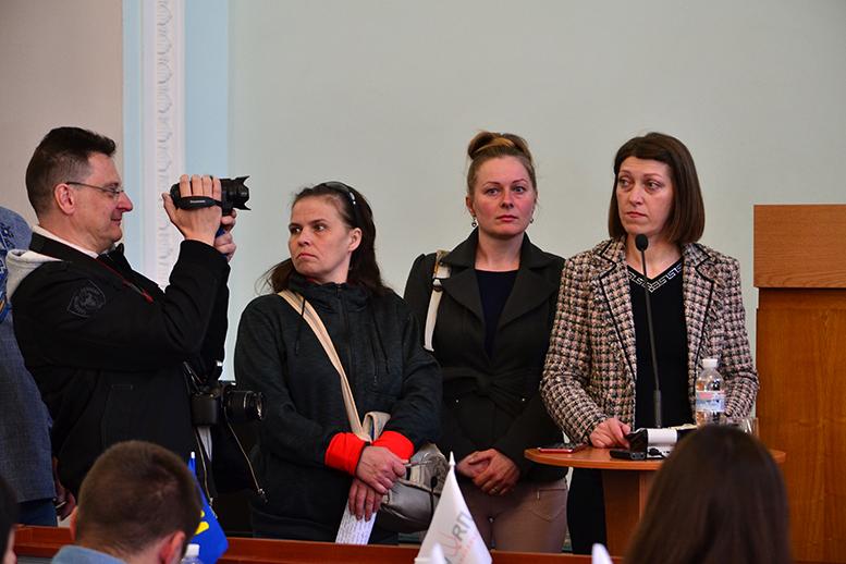 DSC 0545 - Батьки невакцинованих дітей штурмували сесію Житомирської міськради