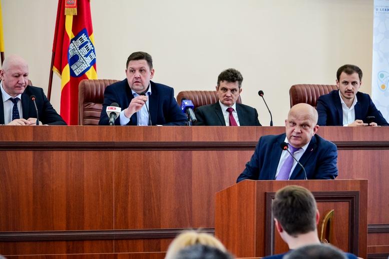 DSC 0718  - 2019 рік стане останнім для добровільного об'єднання: у Житомирі проходить конференція по децентралізації (ФОТО)