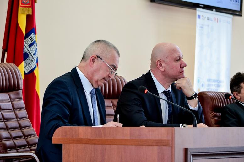 DSC 0740  - 2019 рік стане останнім для добровільного об'єднання: у Житомирі проходить конференція по децентралізації (ФОТО)