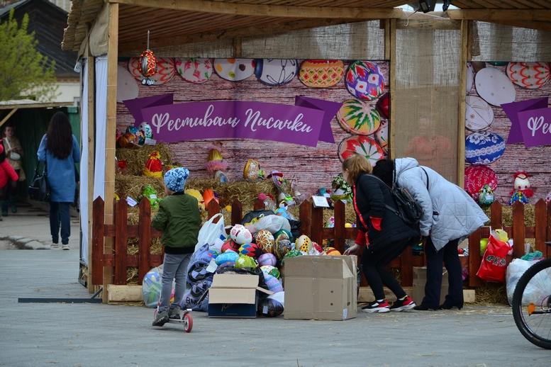 DSC 0915 Kopyrovat  - Житомир в Великодньому декорі: поспішайте зробити селфі на фоні писанок (ФОТО)