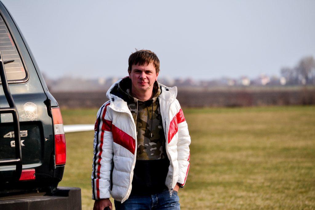 DSC 0987 1024x683 - Відомий мандрівник Дмитро Комаров здійснив посадку в Житомирі (ФОТО)