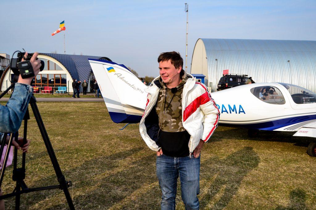 DSC 1001 1024x683 - Відомий мандрівник Дмитро Комаров здійснив посадку в Житомирі (ФОТО)