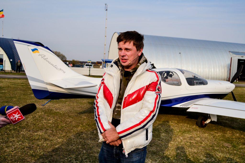 DSC 1008 1024x683 - Відомий мандрівник Дмитро Комаров здійснив посадку в Житомирі (ФОТО)