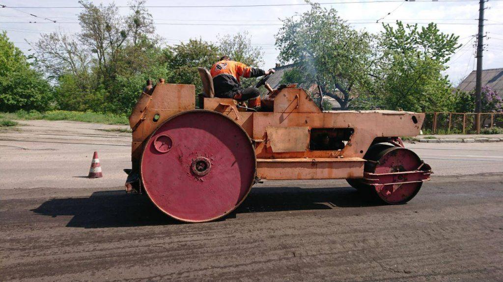 59885442 422764534947346 2191594813260824576 n 1024x575 - В Житомирі після погроз жителів з Корольова відокремитись від міста,  почали ремонтувати дорогу (ФОТО)