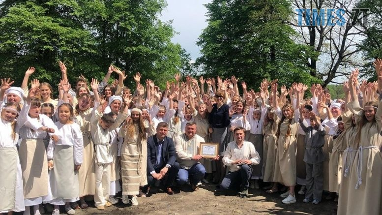 60355269 2600746376619365 2251536244427194368 n 777x437 - На Житомирщині 500 танцюристів встановили новий рекорд України