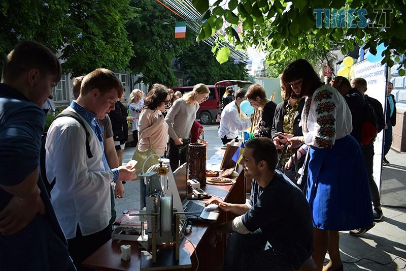 DSC 0042 2 - У Житомирі проходить Ярмарок вакансій та Форум роботодавців (ФОТО)