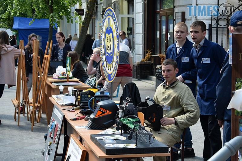 DSC 0070 2 - У Житомирі проходить Ярмарок вакансій та Форум роботодавців (ФОТО)