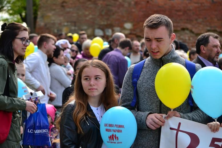 DSC 0178 Kopyrovat - Тисячі бердичівлян пройшли містом в рамках акції на захист сім'ї (ФОТО)