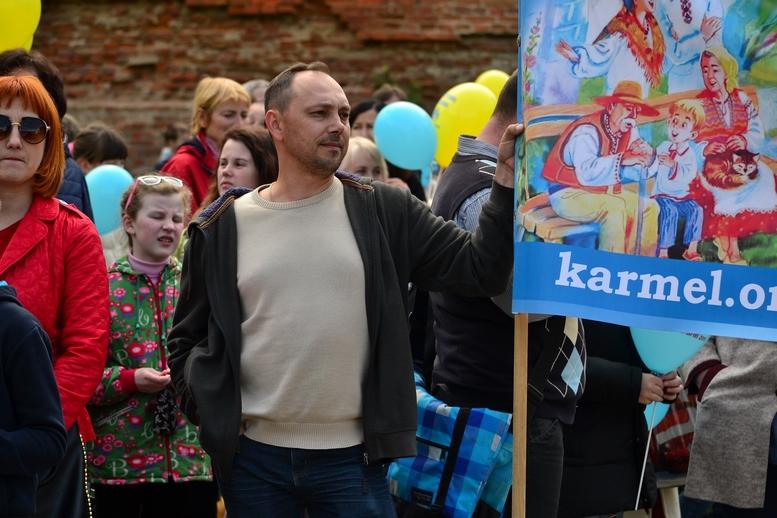 DSC 0197 Kopyrovat - Тисячі бердичівлян пройшли містом в рамках акції на захист сім'ї (ФОТО)