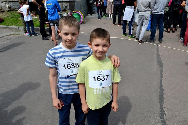 DSC 0205 2 - Олімпійський День у Житомирі: Бубка фотографувався феєрично – а біг так собі (ФОТО)