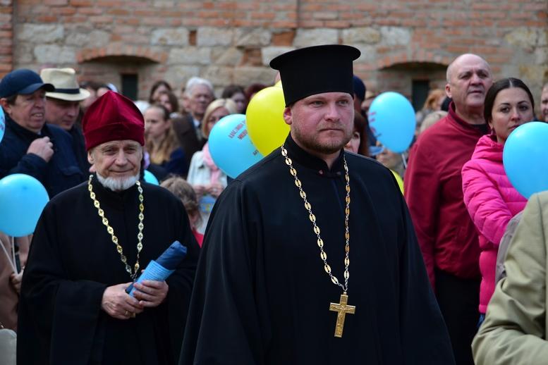 DSC 0207 Kopyrovat - Тисячі бердичівлян пройшли містом в рамках акції на захист сім'ї (ФОТО)