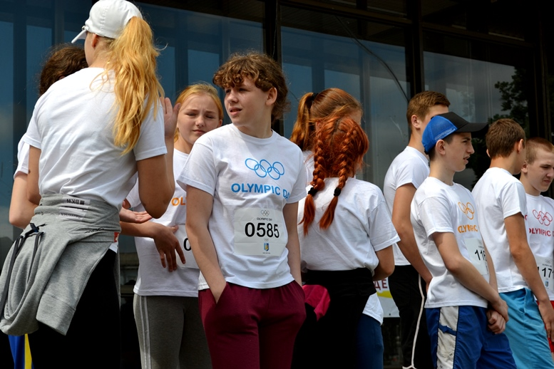 DSC 0210 2 - Олімпійський День у Житомирі: Бубка фотографувався феєрично – а біг так собі (ФОТО)