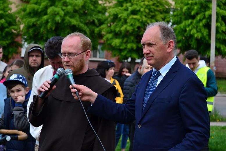 DSC 0216 Kopyrovat - Тисячі бердичівлян пройшли містом в рамках акції на захист сім'ї (ФОТО)