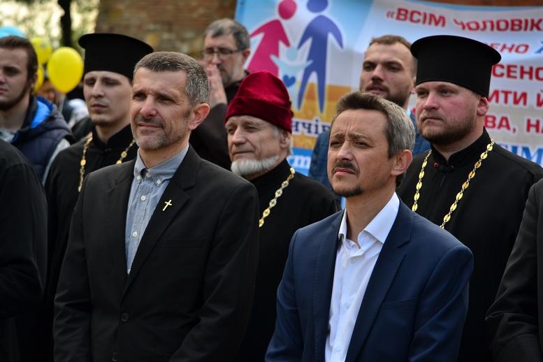DSC 0225 Kopyrovat - Тисячі бердичівлян пройшли містом в рамках акції на захист сім'ї (ФОТО)