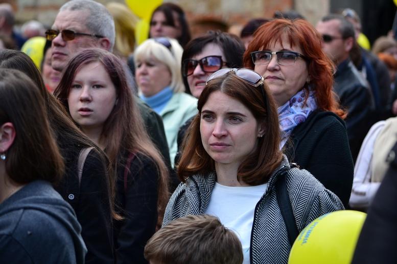 DSC 0234 Kopyrovat - Тисячі бердичівлян пройшли містом в рамках акції на захист сім'ї (ФОТО)