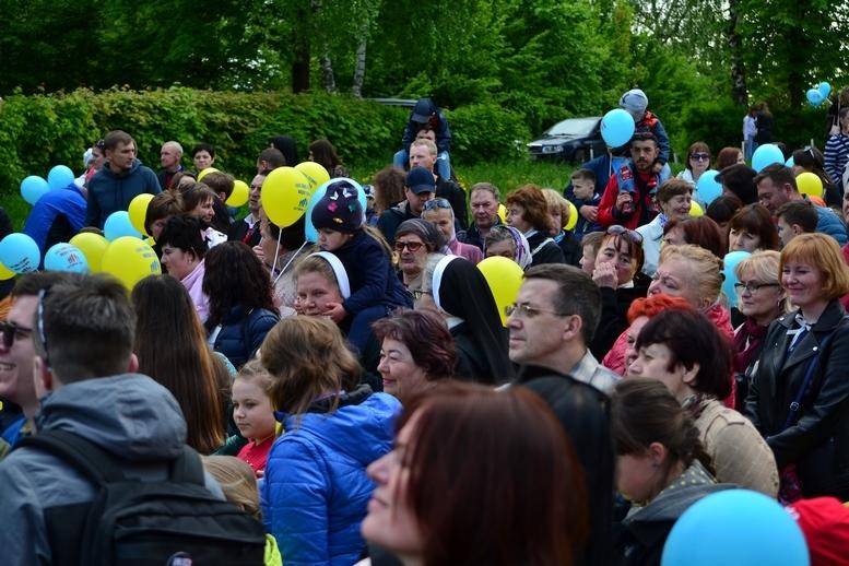 DSC 0238 Kopyrovat - Тисячі бердичівлян пройшли містом в рамках акції на захист сім'ї (ФОТО)
