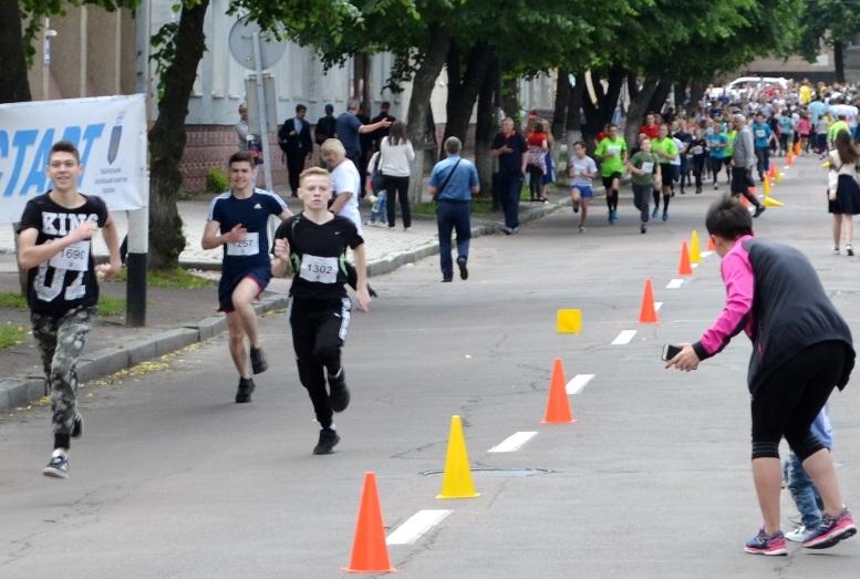 DSC 0240 - Олімпійський День у Житомирі: Бубка фотографувався феєрично – а біг так собі (ФОТО)
