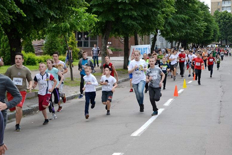 DSC 0247 - Олімпійський День у Житомирі: Бубка фотографувався феєрично – а біг так собі (ФОТО)