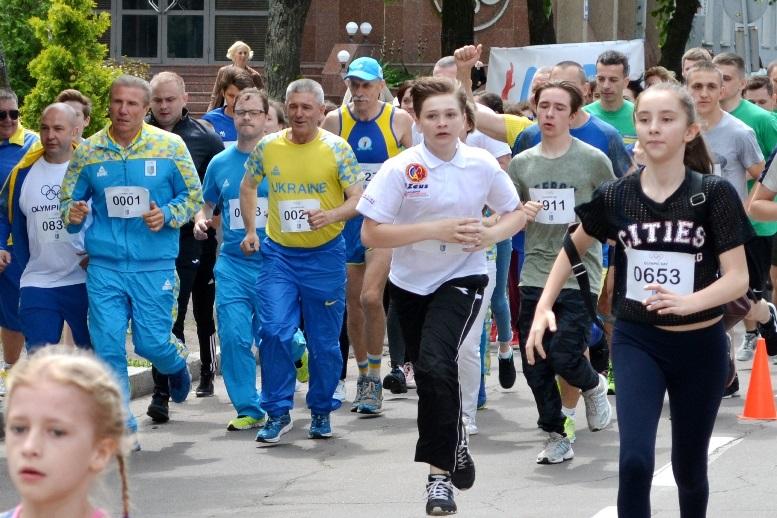 DSC 0250 - Олімпійський День у Житомирі: Бубка фотографувався феєрично – а біг так собі (ФОТО)