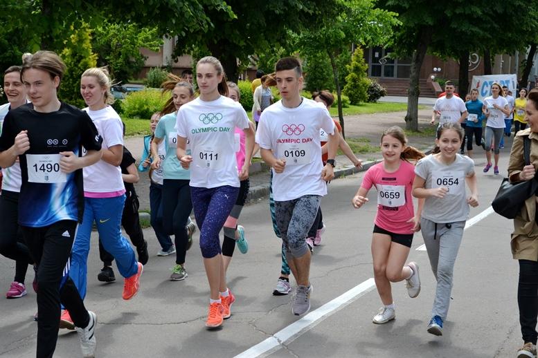 DSC 0252 - Олімпійський День у Житомирі: Бубка фотографувався феєрично – а біг так собі (ФОТО)