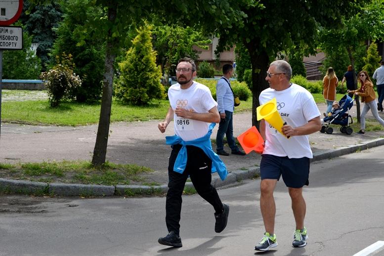 DSC 0255 - Олімпійський День у Житомирі: Бубка фотографувався феєрично – а біг так собі (ФОТО)
