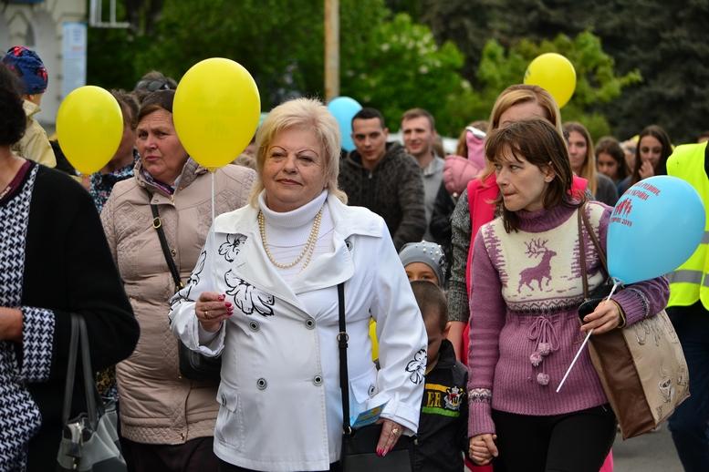 DSC 0272 Kopyrovat - Тисячі бердичівлян пройшли містом в рамках акції на захист сім'ї (ФОТО)