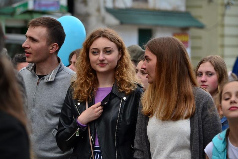 DSC 0278 Kopyrovat - Тисячі бердичівлян пройшли містом в рамках акції на захист сім'ї (ФОТО)