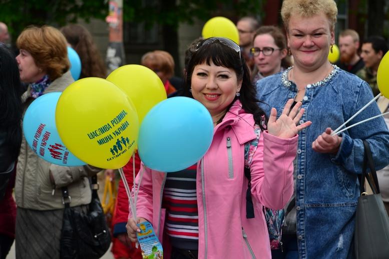 DSC 0302 Kopyrovat - Тисячі бердичівлян пройшли містом в рамках акції на захист сім'ї (ФОТО)