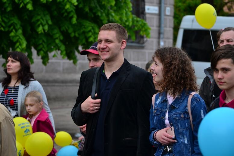 DSC 0319 Kopyrovat - Тисячі бердичівлян пройшли містом в рамках акції на захист сім'ї (ФОТО)