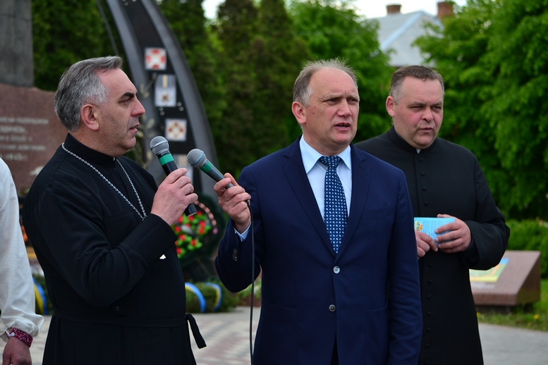 DSC 0332 Kopyrovat - Тисячі бердичівлян пройшли містом в рамках акції на захист сім'ї (ФОТО)
