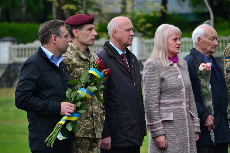 DSC 0605 Kopyrovat - Житомир у скорботі:  День пам'яті на військовому кладовищі (ФОТО)