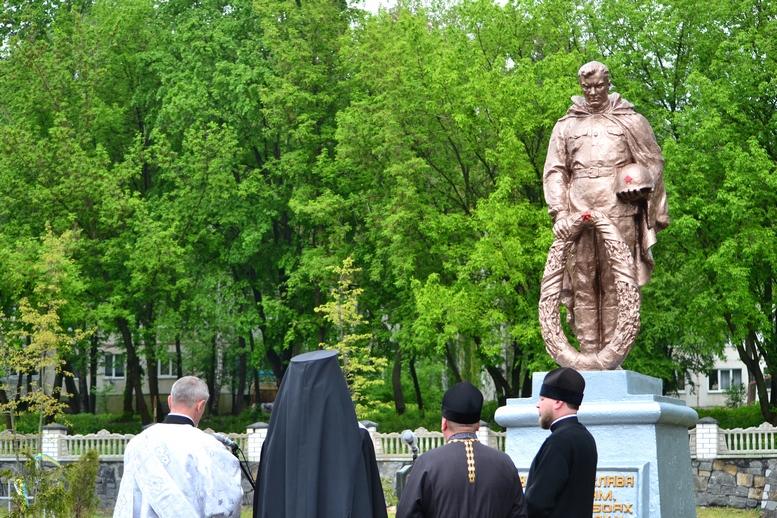 DSC 0610 Kopyrovat - Житомир у скорботі:  День пам'яті на військовому кладовищі (ФОТО)