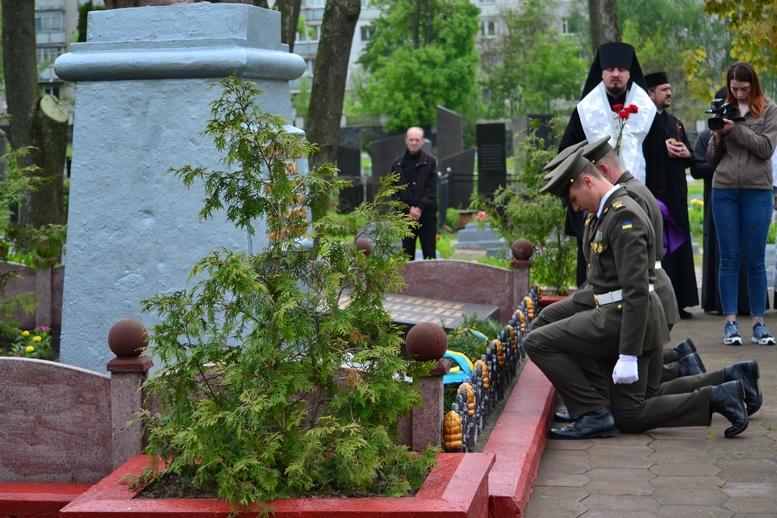 DSC 0686 Kopyrovat - Житомир у скорботі:  День пам'яті на військовому кладовищі (ФОТО)