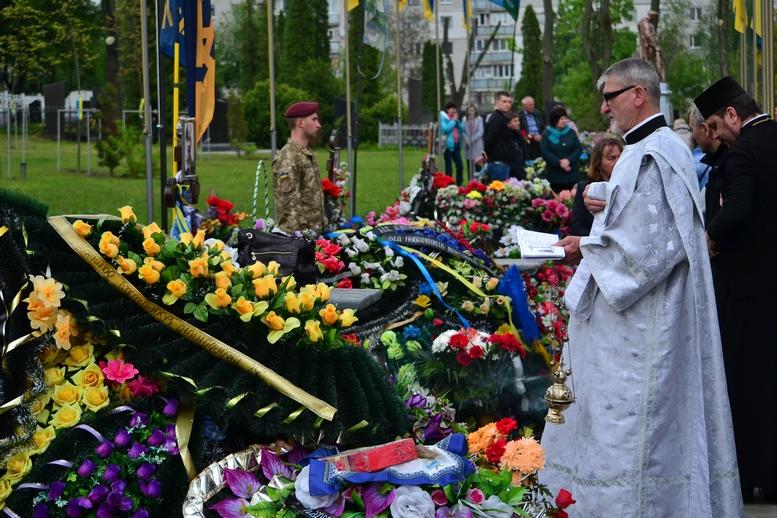 DSC 0724 Kopyrovat - Житомир у скорботі:  День пам'яті на військовому кладовищі (ФОТО)