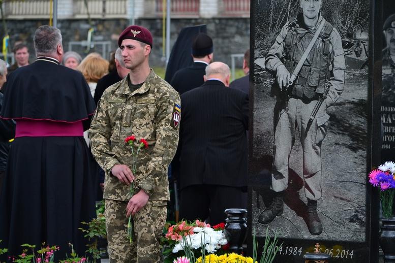 DSC 0733 Kopyrovat - Житомир у скорботі:  День пам'яті на військовому кладовищі (ФОТО)