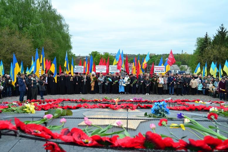 DSC 1014 Kopyrovat - Більше 3 тисяч житомирян вшанували пам'ять загиблих у Другій світовій війні