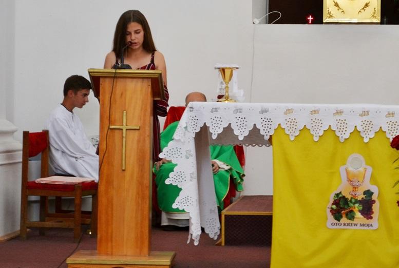 DSC 2742 - Голі ноги, непокрита голова, сидячи: звичаї католиків, які вражають православних (ФОТО)