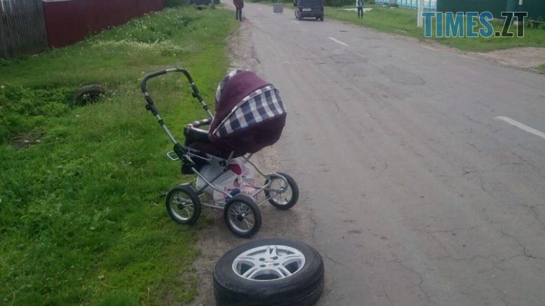 dtp Ruz 1 777x437 - На Житомирщині внаслідок неочікуваного ДТП постраждав 2-річний малюк