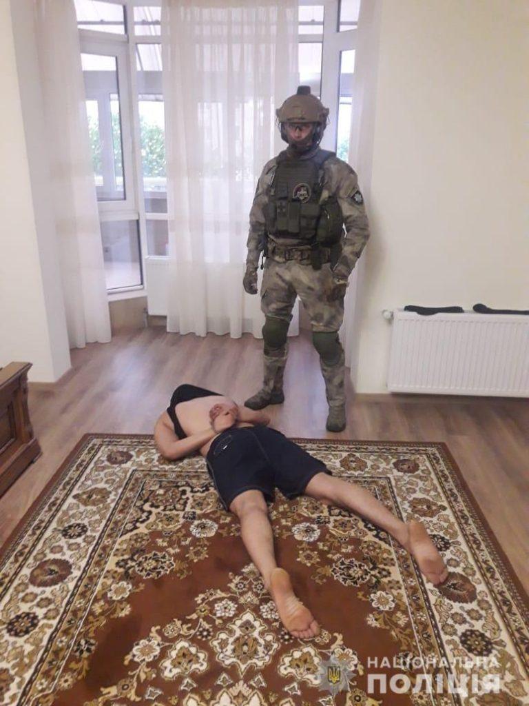 index1 768x1024 - Житомирські правоохоронці затримали учасників злочинного угрупування, створеного громадянами Азербайджану